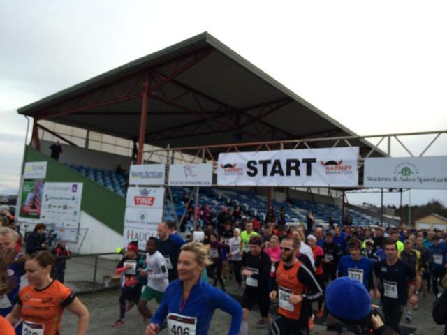 Starten av halvmaraton. Foto: Arrangør.jpg