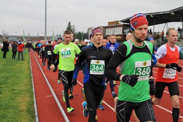 Fra starten på halvmaraton 2014 (foto: Olav Engen).