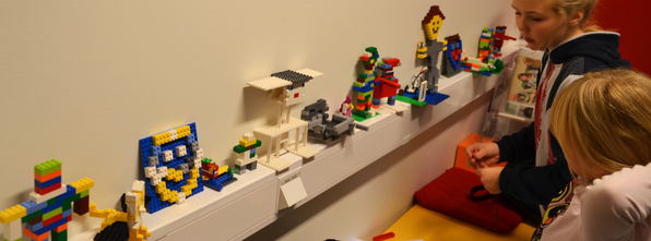 Første oppgåva på legokurset, var å byggje seg sjølv.