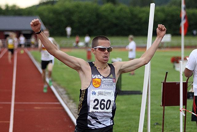 Vegard Ølstad mangla bare drøye 2 sekunder på å se 13-tallet på 5000 m. (Arkivfoto: Stig Vangsnes)