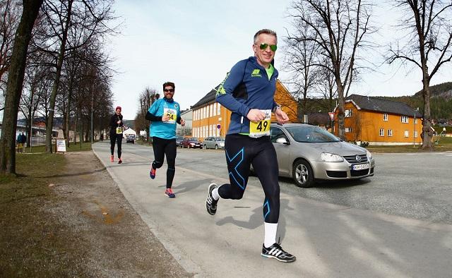 Paaskemaraton2015-Tomas Pinaas-Kristian-Jahre.jpg