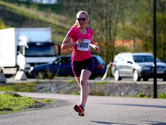 Marie Næss kom på 2. plass i år som i fjor, men nå løp hun raskere (foto: Bjørn Hytjanstorp ABIK 1-2015)
