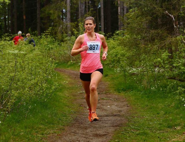 Tonje Berg ble nummer to i kvinneklassen, her i ABIK-karusellens 3. løp i 2015 ( foto: Bjørn Hytjanstorp).