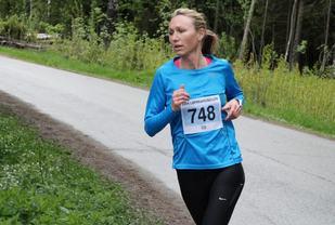 Silje Christiansen vant 1500 meter på Lillestrøm, her i et løp i ABIK-karusellen 2015. (Foto: Olav Engen)