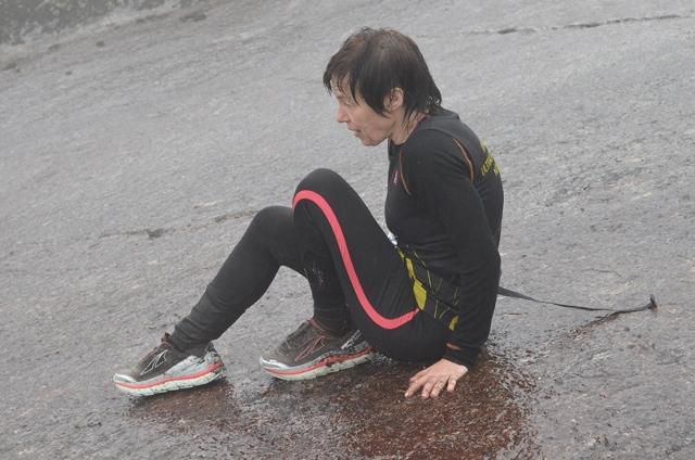 11-Ragnhild Audestad var forsiktig til å begynne med, men som en erfaren ultraløper så kom hun seg etterhvert og tok en tredjeplass. (640x424).jpg
