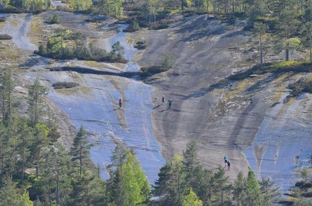 De beryktede Svåune i Skuggenatten, svaberg med opptil 20% helning.