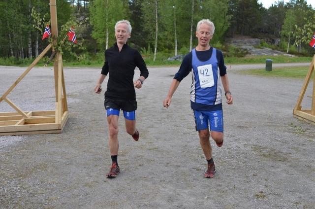 43-Tvillingbrødrene Aanensen fra Mandal, 50 år gamle, 8 runder, og delt femte plass. Imponerende. (640x424).jpg