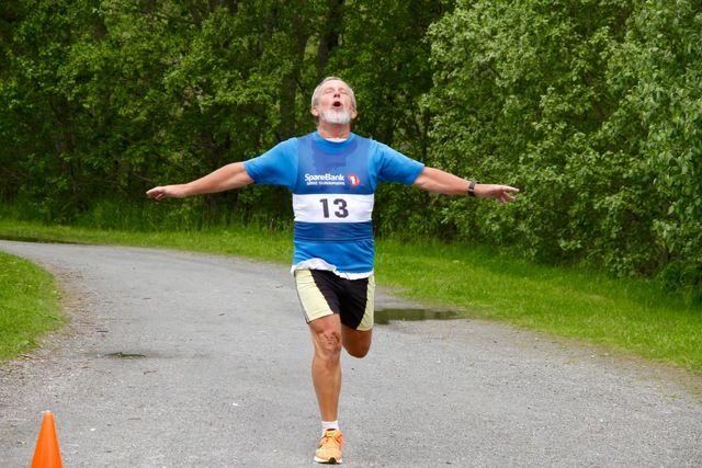Kjell Mindor Fagerlund flyr