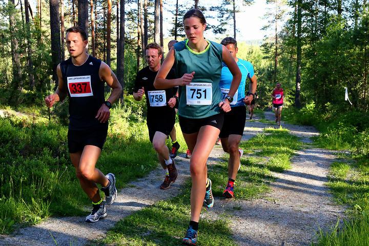 Fra samme løpet i 2015 med Eldbjørg Moxnes i kamp med gutta. (Foto: Bjørn Hytjanstorp)