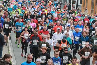 Starten på halvmaraton i MSM 2015. (Foto: Kjell Vigestad)