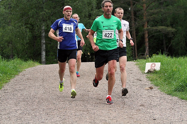 Talmo_Jensen_Johansson_med_jerntene_bak_IMG_1212.jpg