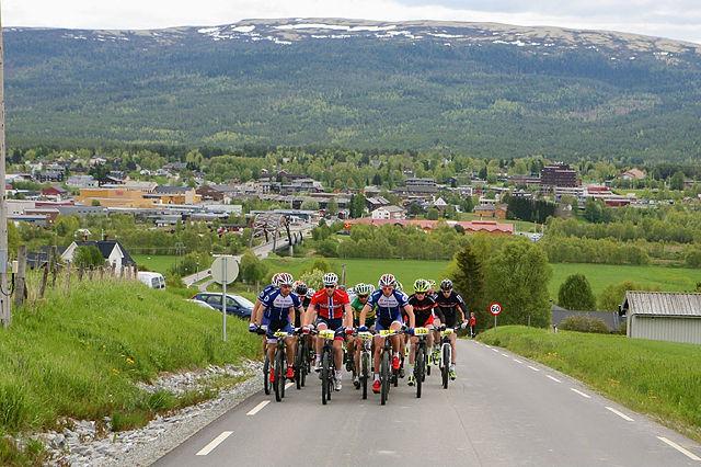 Fra rett etter starten på lørdagens etappe på Tynset. (Foto: Norsk Folkehjelp Redningtjeneste N-Ø)