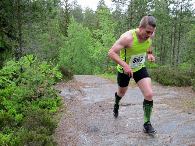 Erik Forbord på Nordgardsberget, løypas høyeste punkt (foto: Toril Blakkisrud).