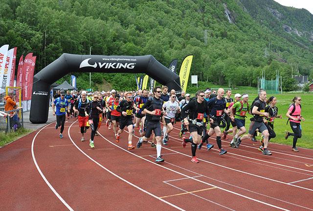 806c739f4 Starten på Viking Challenge var i år lagt til Rjukan Stadion. Det var i år  437 som fullførte.