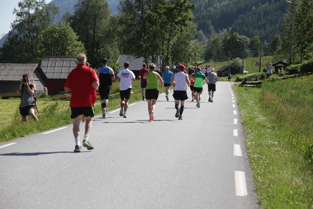 Starten_bakfra_maraton