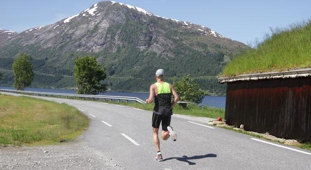 Sverre_Gunnar_Brunstad_bakfra_maraton