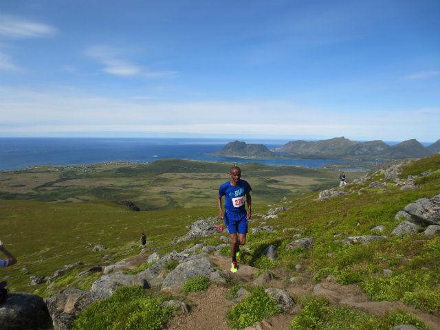 Vinner Tesfayohannes Fisehatsion fra Bodø i et praktfullt landskap. Foto: Per Ivar Jaksland