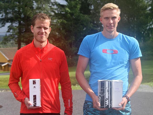 Espen Rusten (til h.) og Frode Stenberg ble hhv. totalvinner og vinner av politi-NM på halvmaraton.