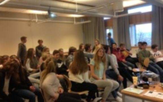 Foredrag om Miljø og forbruk for elever i 10. trinn på Gimse U.