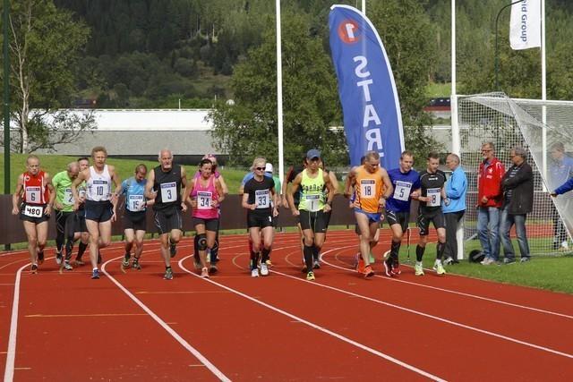 Fra starten av helmaraton 2014. Foto: Helge Fuglseth