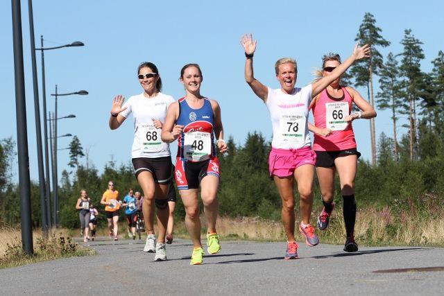 Løpeglede: Marianne Espe Pettersen, Victoria Engebretsen, Rita Steinsvik og Ann-Louise Vålvannet.