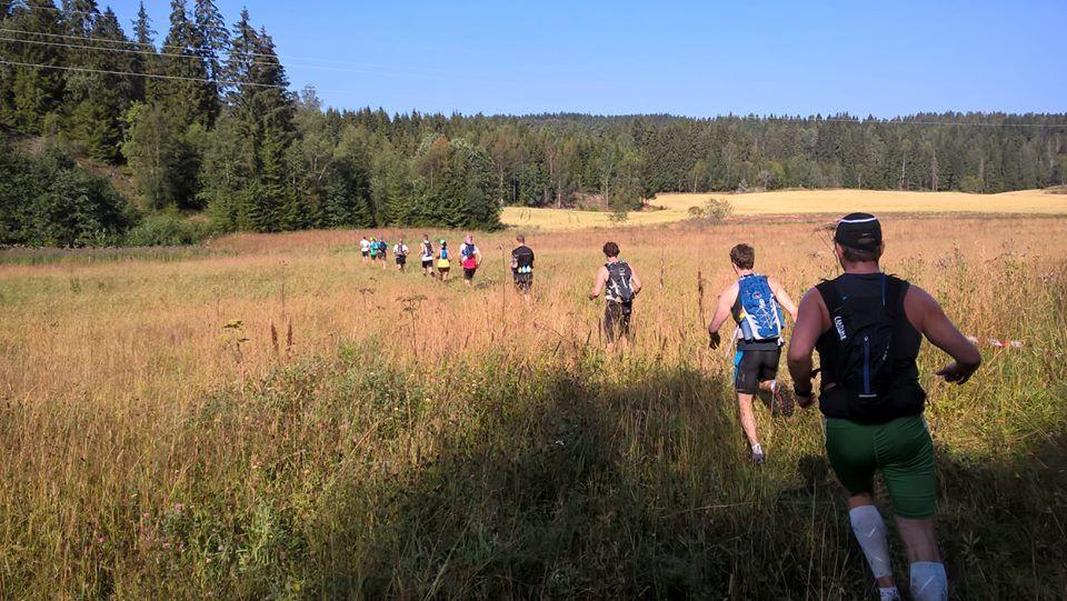 Løperne i starten av løpet (foto: Stein Dyngen, arrangørens FB-side).