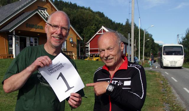 Øystein Eik til venstre er mannen bak Sekken Open Maraton og Lossiusløpet. Sigbjørn Lerstad fra Kondis har kontrollmålt løypen som nå er klar til å ta i mot løpere