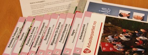 Alle partia med lister til kommunestyrevalet i Lindås i 2015, har lagt sine valprogram i konvolutten som vert sendt til alle husstandar i kommunen.