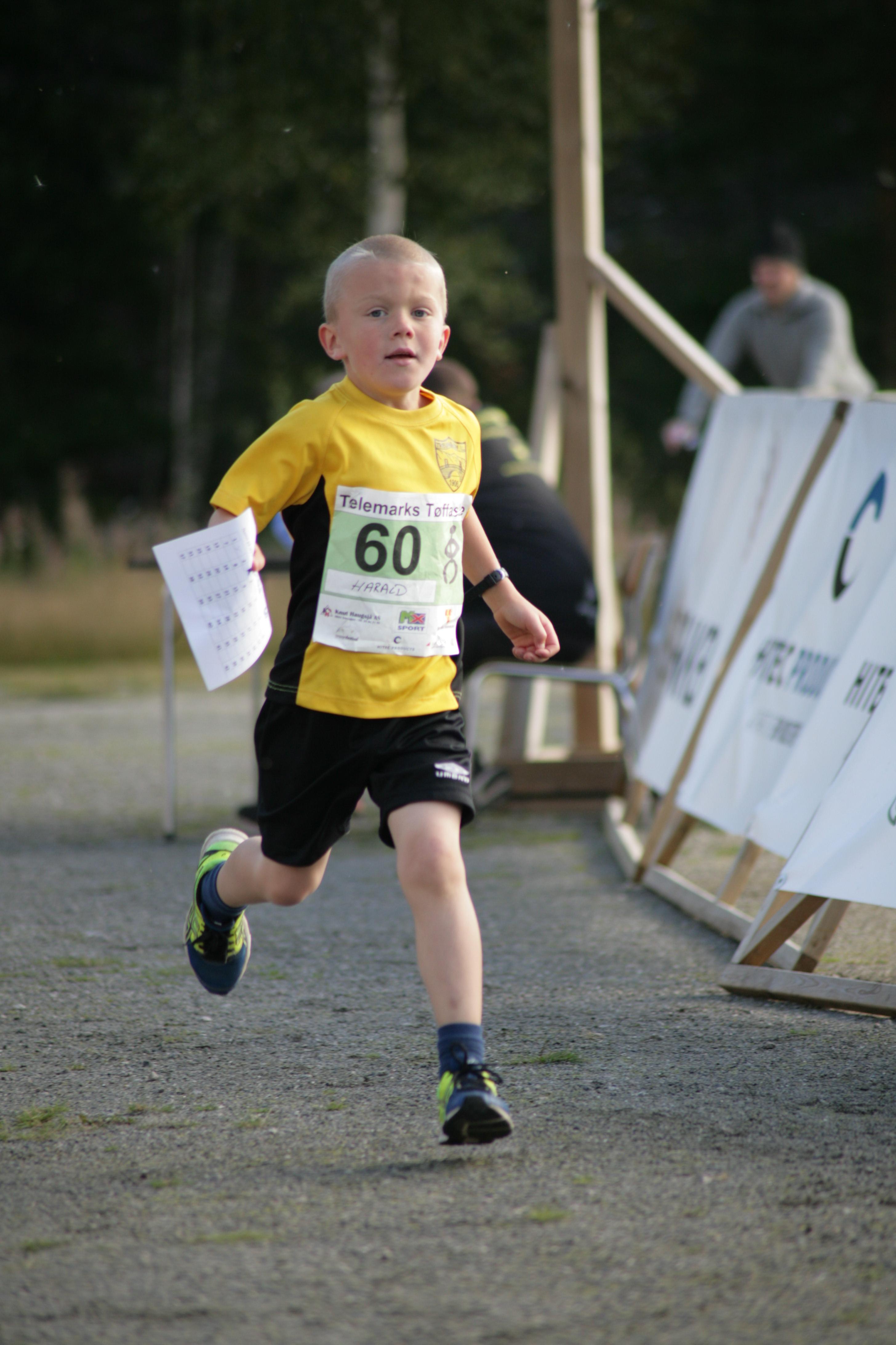 Sverre Kornmo Enger, Treungen IL, sprang saa mange runder på idrettsbanen som mulig på en time..jpg
