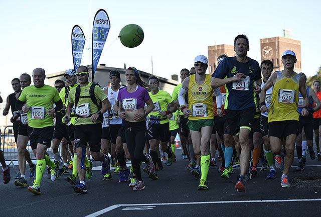 3.15-pulja på maraton med fartsholdere. Foto: Bjørn Johannessen