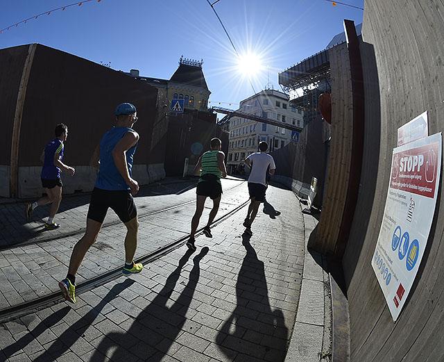 maraton-1km-til-maal-ingen-grunn-til-stopp_BJ_D4N8032.jpg