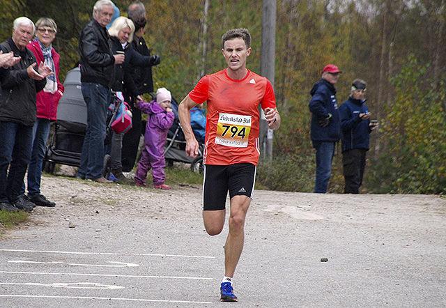 Herrevinner Andreas Myhre Sjurseth, SK Vidar.  Foto: Rolf B. Gundersen.