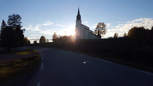 Landemerke_Veldre_kirke.jpg
