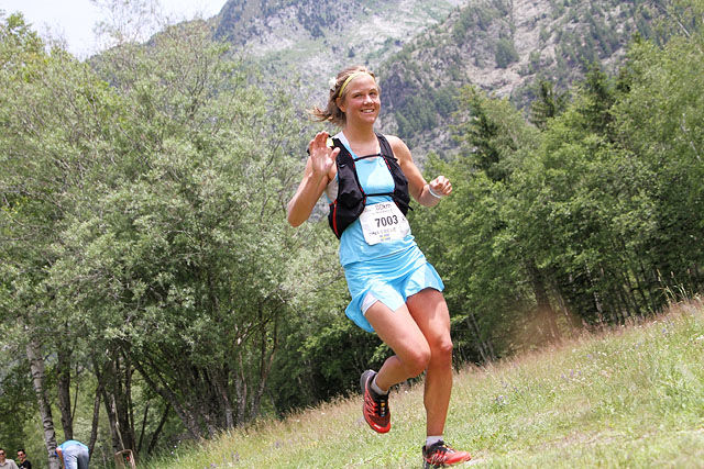 Emelie Forsberg under sitt gulløp i VM Skyrace 80 km innlagt i Mont Blanc Marathon i fjor sommer. (Foto: Runar Gilberg)