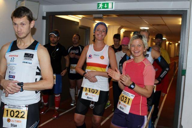 Blide løpere klar til start. (Foto: Olav Engen)