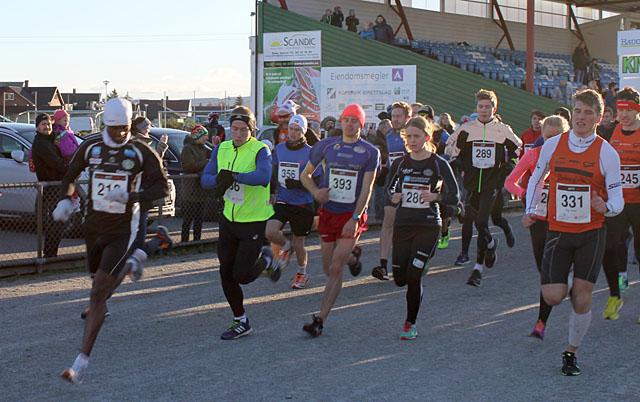 Halvmaraton_ut_fra_start.jpg