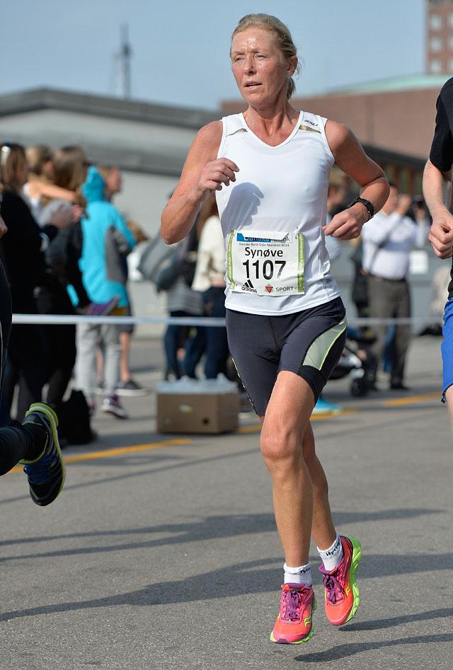 Synøve_Brox_Oslo-Maraton-2014-halvmaraton_foto_Bjoern_JohannesseN-KD-18743.jpg
