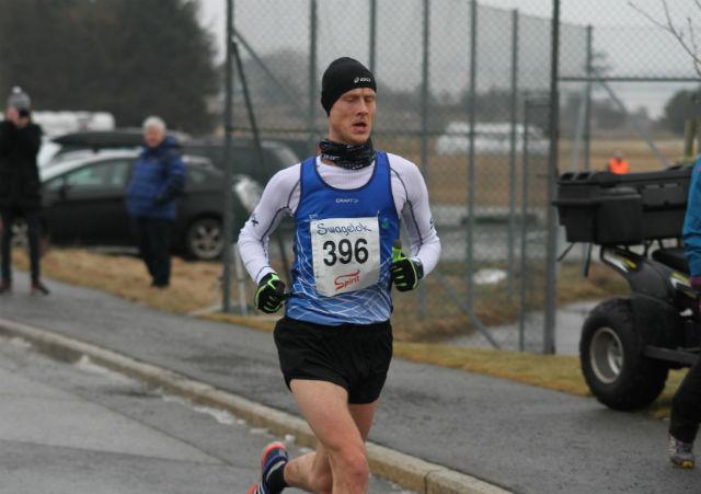 Tom Erik Halvorsen løper inn til personlig rekord i den raske løypa på Sola.   Foto: Thomas Hetland.