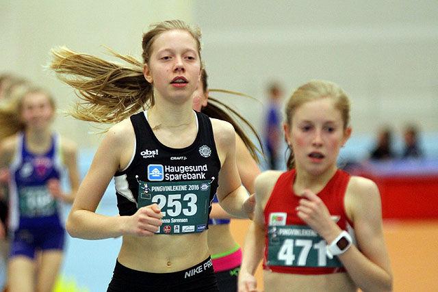 Hanna Sørensen og Adele Marie Hauge med tøff duell på 1500m