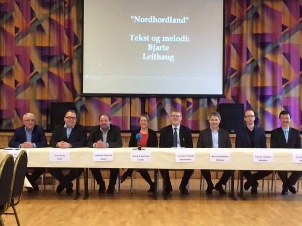 Alle dei åtte ordførarane i Nordhordland signerte ein felles intensjonsavtale om kommunesamanslåing 1. mars 2016.