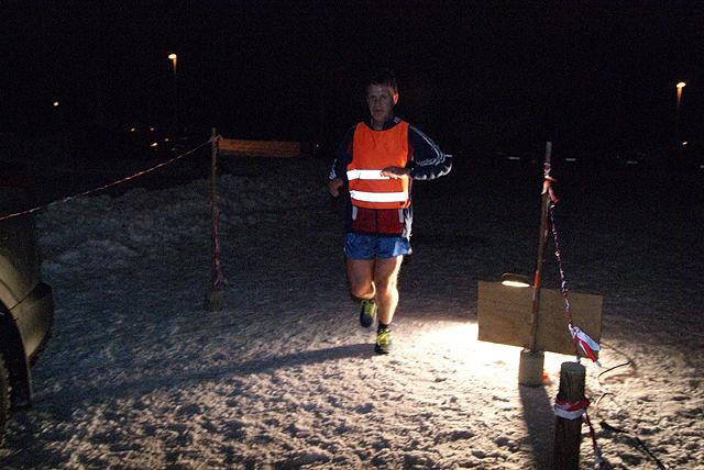 Leif Sægrov i mål på 3. plass i Snøkuten i Veldre uka etter Vinterjoggen på Hamar. (Foto: Stein Arne Negård)