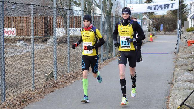 Svein Ove Risa (til venstre) fikk pes av broren Jarle i begynnelsen av sitt flotte løp (foto: Jærbladet)