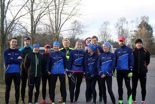 Her er en gjeng fra løpeklubben samlet til trening 31. mars i år (foto: Beate Husby).