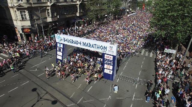 Fra starten av årets Beograd Marathon (Arrangørfoto).