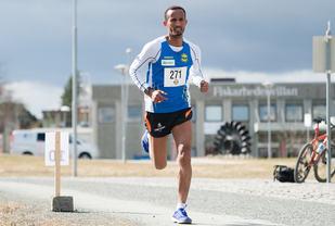 Ebrahim Abdulazi har vunnet Trønderjogg de to siste årene. Foto: Helge Langen