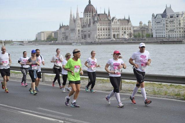 Fra Vivicitta Budapest halvmaraton som nå er et av de største løpsarrangementene i Ungarn (Arrangørfoto).