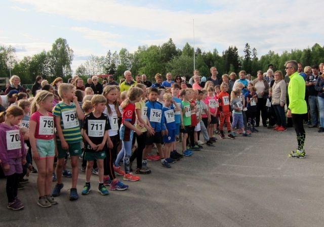 Imponerende startfelt i barneklassen (foto: Toril Blakkisrud).