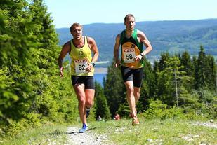 Kristian Monsen og Ulrik Lolland underveis før Monsen dro i fra (foto: Bjørn Hytjanstorp).