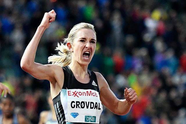 Karoline Bjerkeli Grøvdal kunne virkelig juble etter å ha satt sin første norske seniorrekord. (Foto: Bjørn Johannessen)