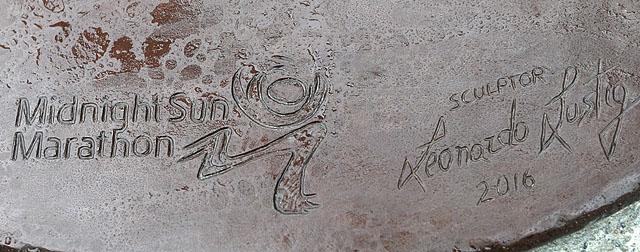 Skulptur_inskripsjon_AZ3T0276.jpg